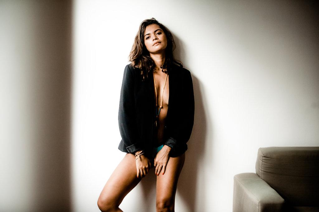 Natsa Campanelli - fashion stylist