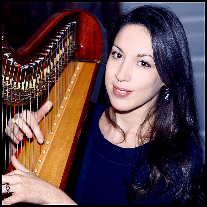 Samia Bousbaine - Harpist